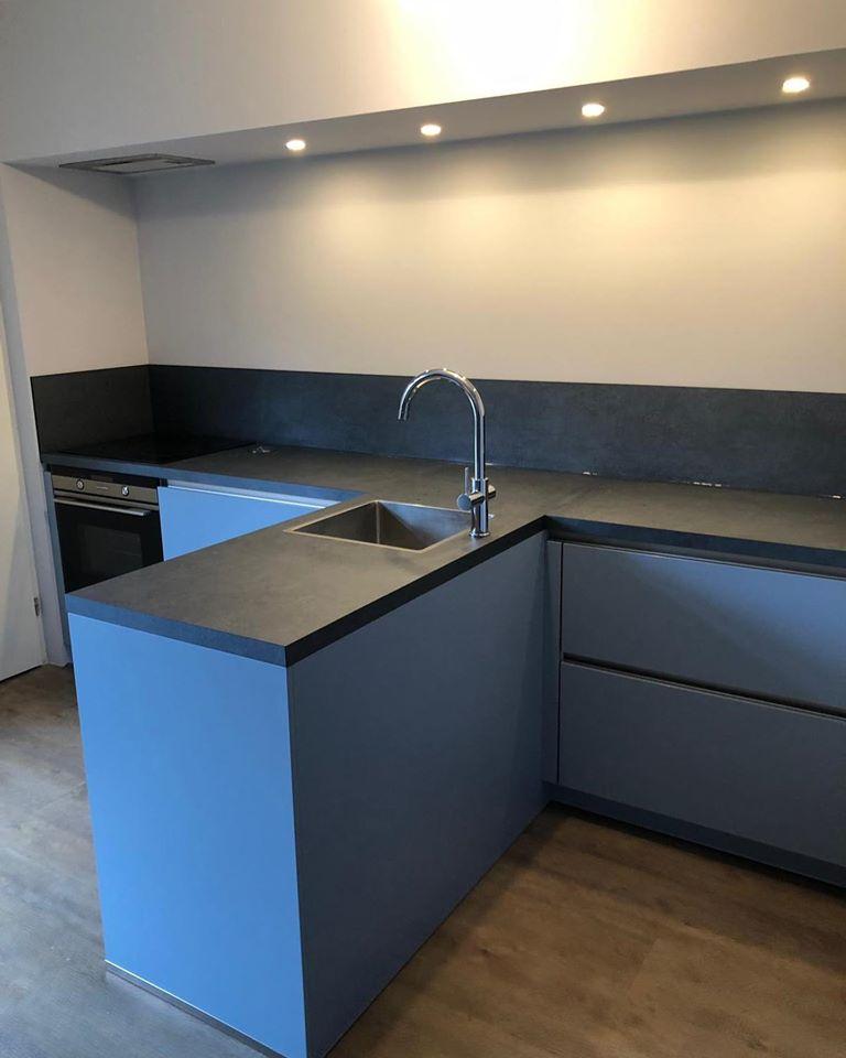 Greeploze blauwe keuken