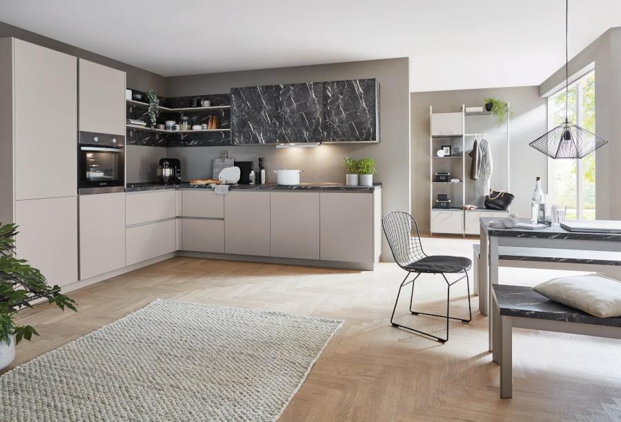 Greeploze keuken met marmerlook