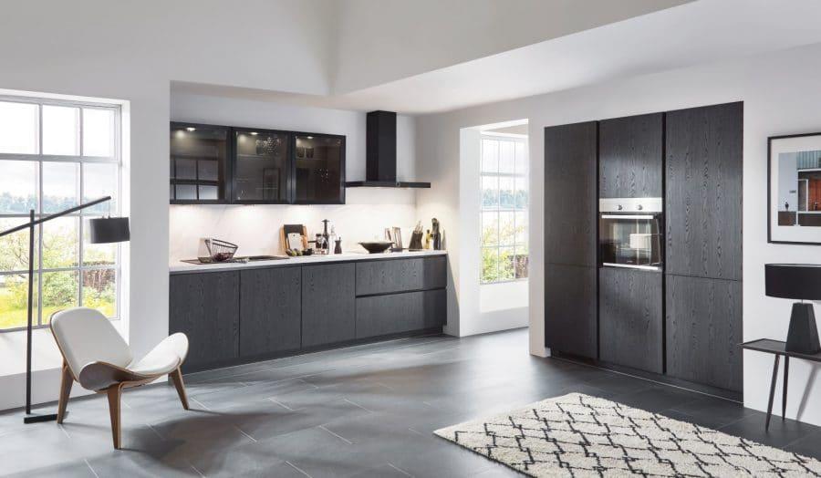greeploze zwarte keuken met hout emstek