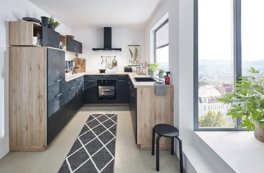 zwarte betonlook keuken met hout laggenbeck