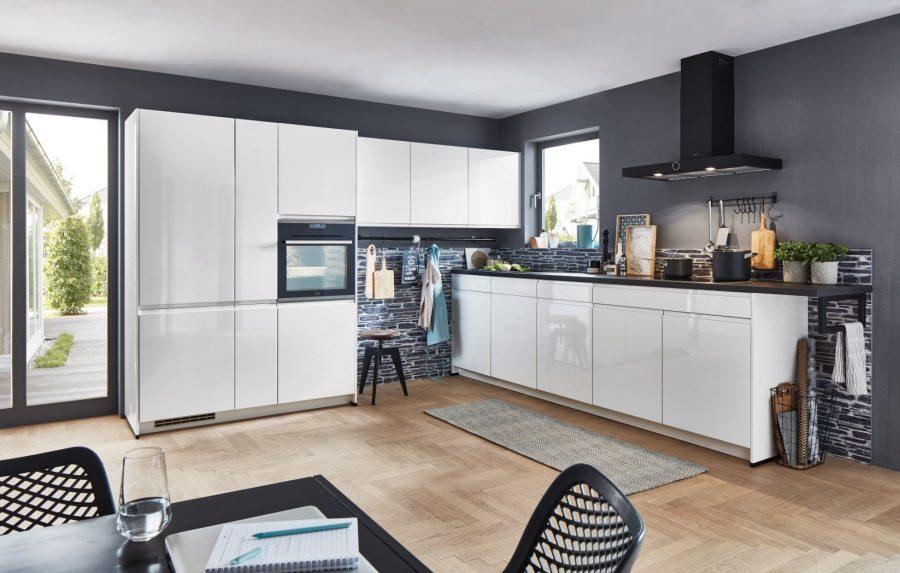 witte hoogglans keuken met zwart blad nordwalde