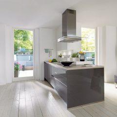 grijze hoogglans keuken met eiland rosendahl