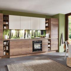 rechte houten keuken met hoge kasten steinfeld