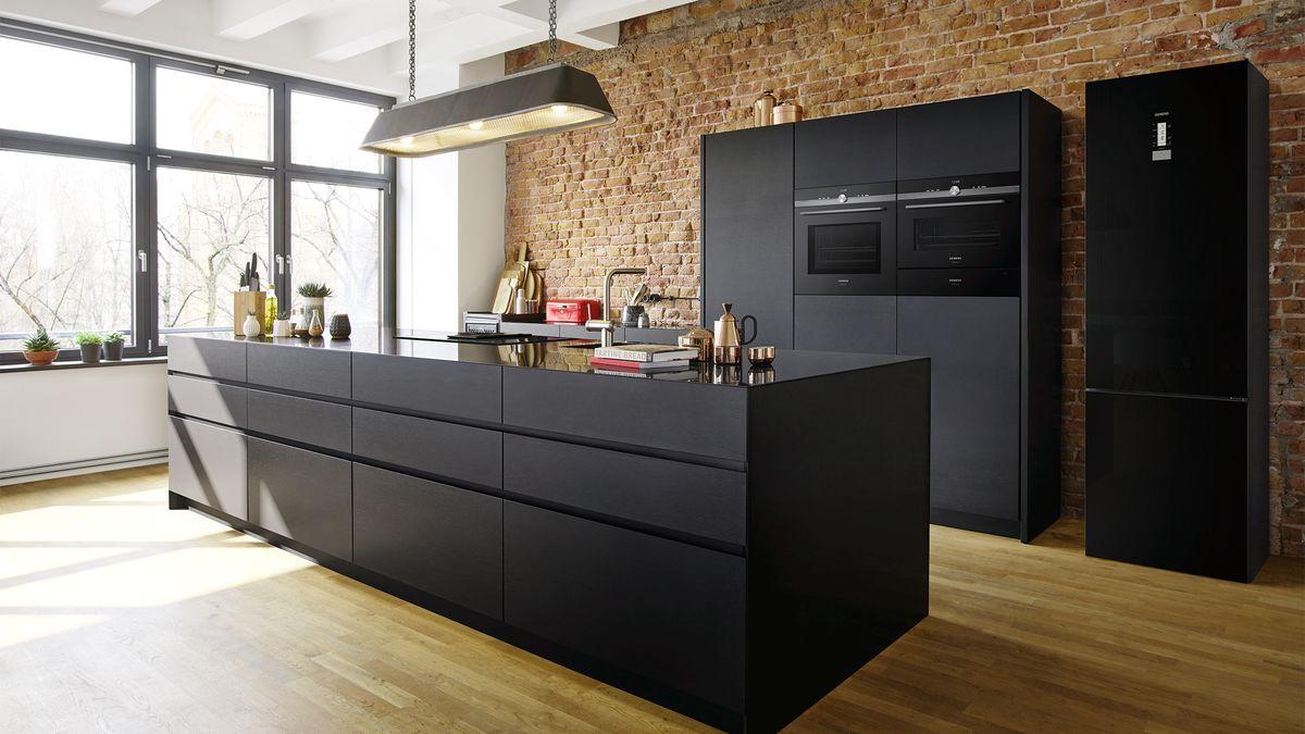 Zwarte keuken Siemens apparatuur